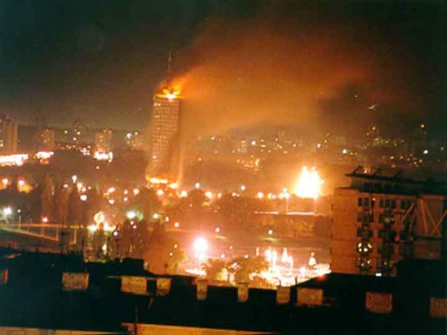 slika-2-ck-building-on-fire-1999